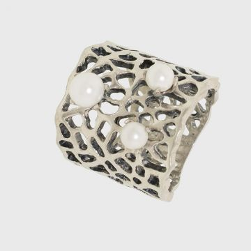 Ring silver 925 with pearl and oxidation