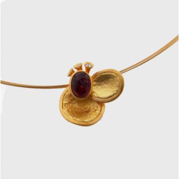 Pendant Yellow Gold 18ct with Gold cord