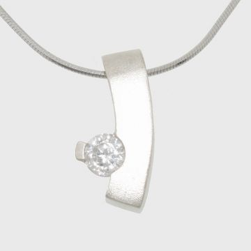 Silver pendant with zircon stone