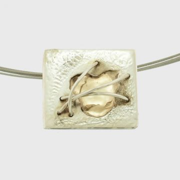 Silver pendant with Yellow gold 14 carats