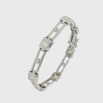 Silver bracelet with zircon